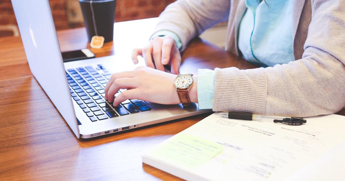 Cum să deschizi site-uri blocate de la birou