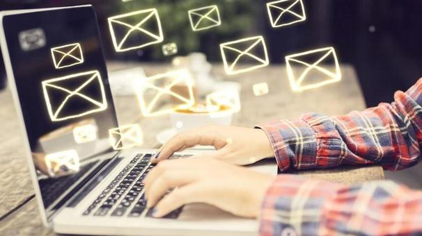 Schimbă parola la Gmail, Yahoo sau Hotmail
