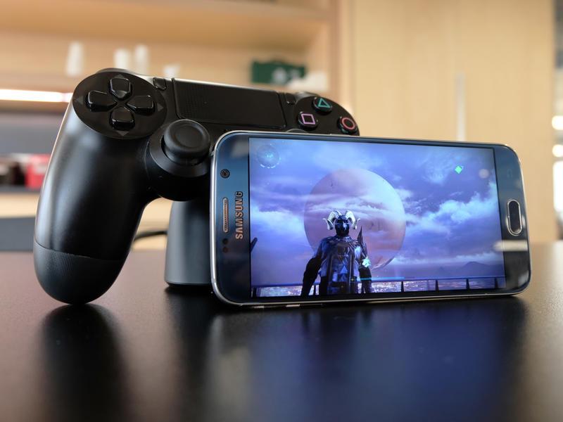 Conectează controller-ul la telefon Android sau laptop
