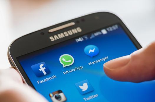 Cum transfer mesaje și Whatsapp de pe un telefon pe altul