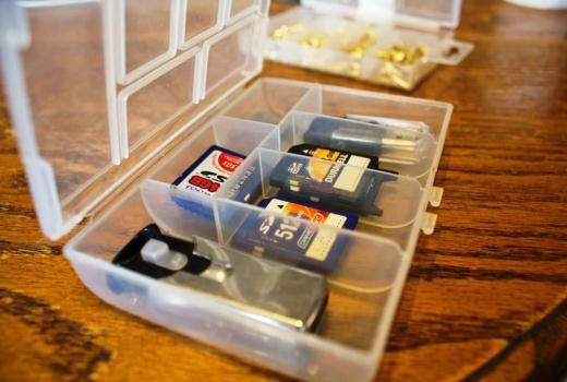 Eliminare sau dezactivare protecție la scriere card SD