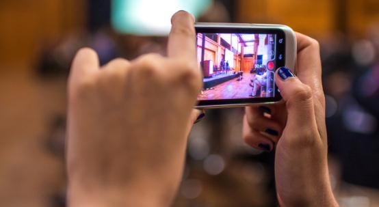 Aplicații de editat video pentru telefon Android sau iPhone