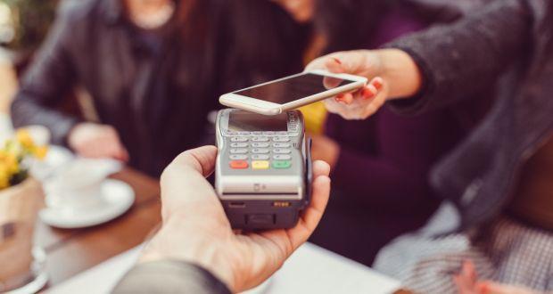 Plătește cu telefonul sau cu ceasul inteligent