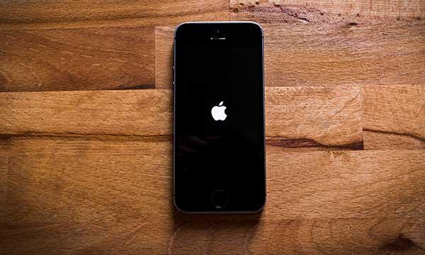 Ce faci dacă la iPhone nu se aprinde ecranul