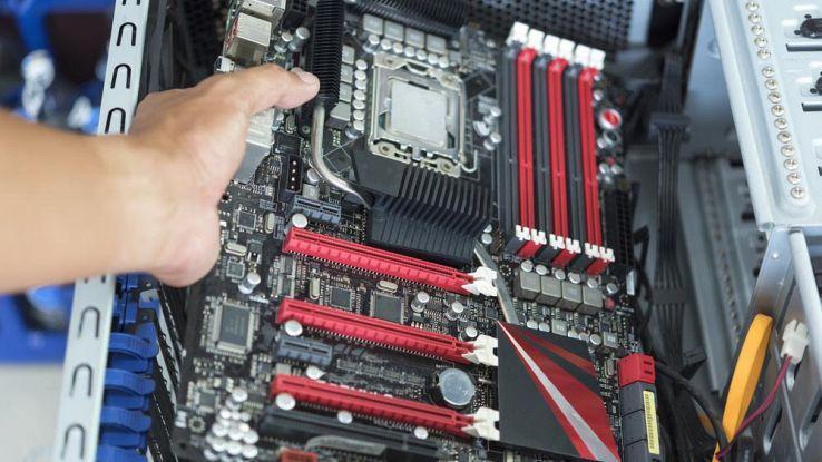 Care sunt componentele calculatorului (hardware)