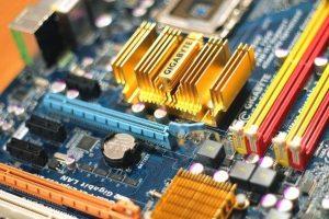 Testare placa de bază PC sau laptop
