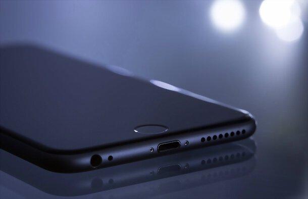 Șterge jailbreak din iPhone