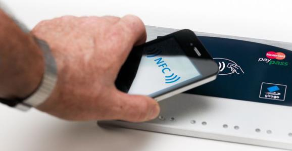 Plăți cu telefonul Android