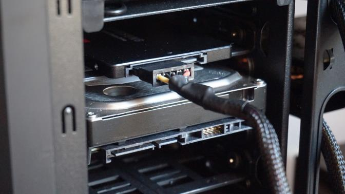 Montare SSD în PC