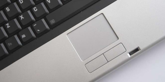 Verifică activarea touchpad-ului la laptop