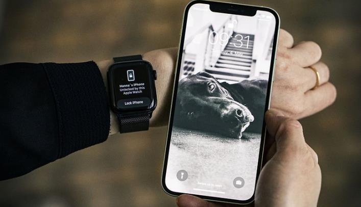 Deblocare iPhone cu ceasul (Apple Watch)