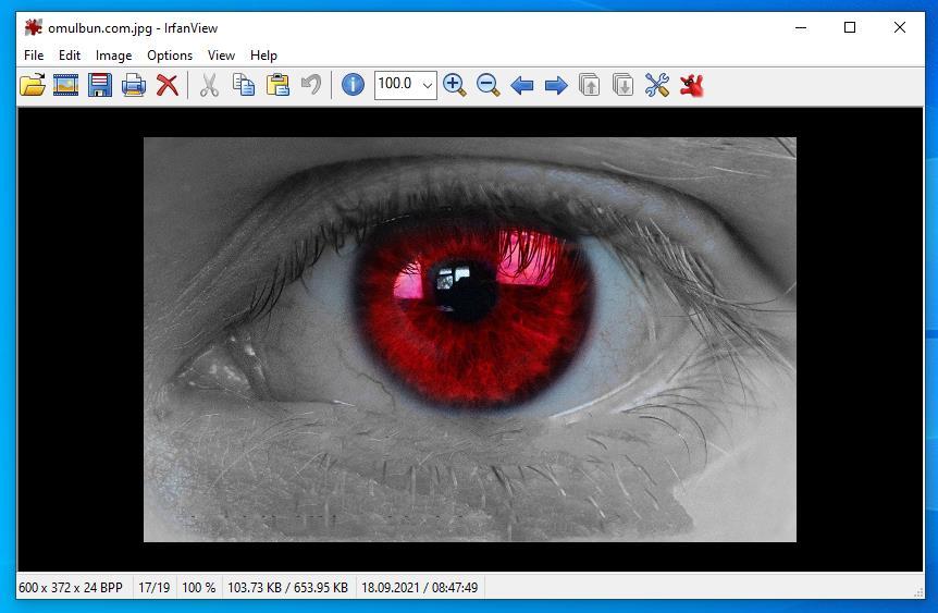 Program de scos ochii roșii din poze